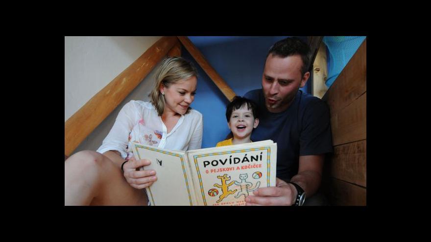 Video Přes 300 knihkupectví se přihlásilo ke kampani Knihy bez  DPH