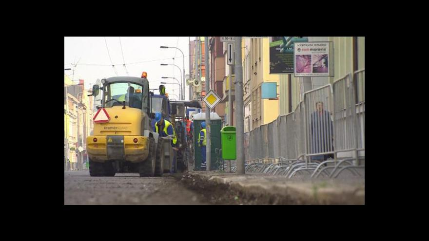 Video Práce v Jana Palacha a 17. listopadu potrvají do listopadu