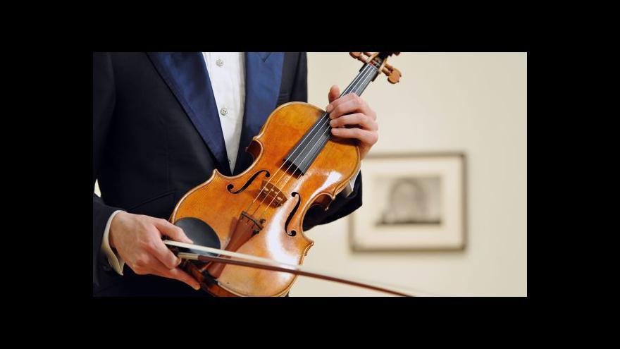 Video Viola od Stradivariho může trhnout rekord