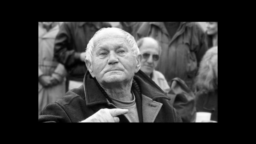 Video Před sto lety se narodil spisovatel Bohumil Hrabal