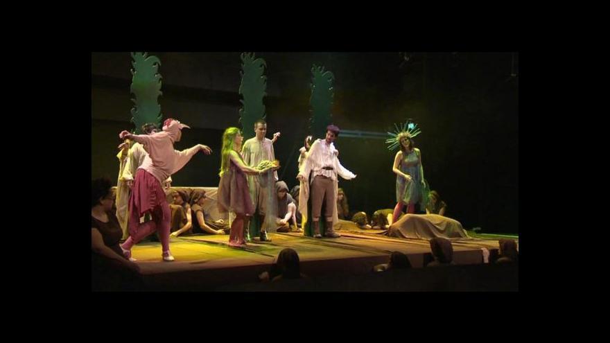 Video Studentské divadlo si hned dvakrát trouflo na barokní operu