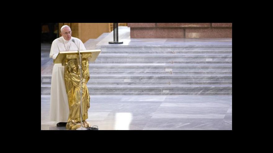 Video Papež vzkazuje mafii: Na spásu je ještě čas, přestaňte zabíjet