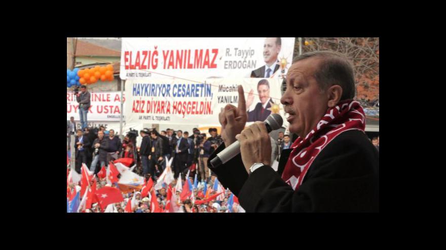 Video Turecko blokuje Twitter, prezident a EU to kritizují