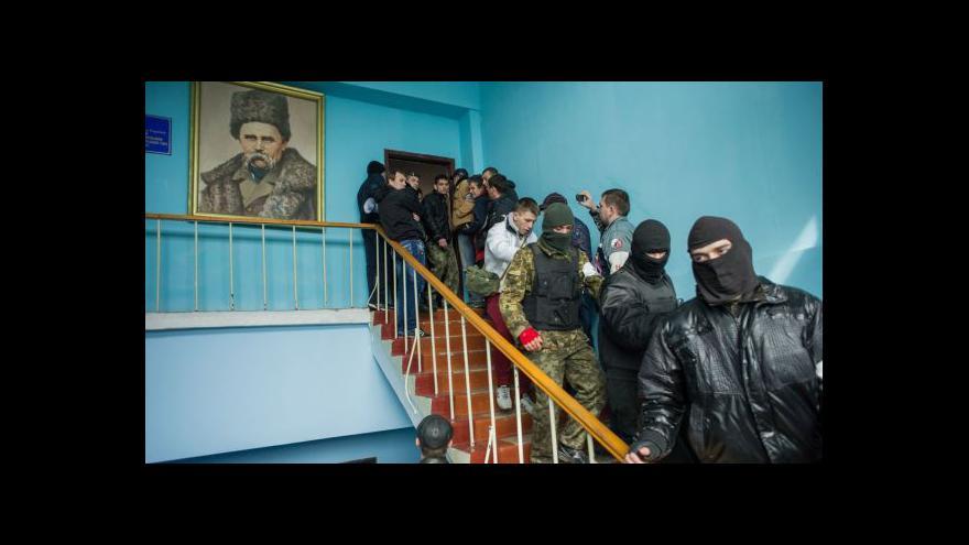Video Události: Je jen otázkou času, kdy ukrajinští vojáci opustí Krym
