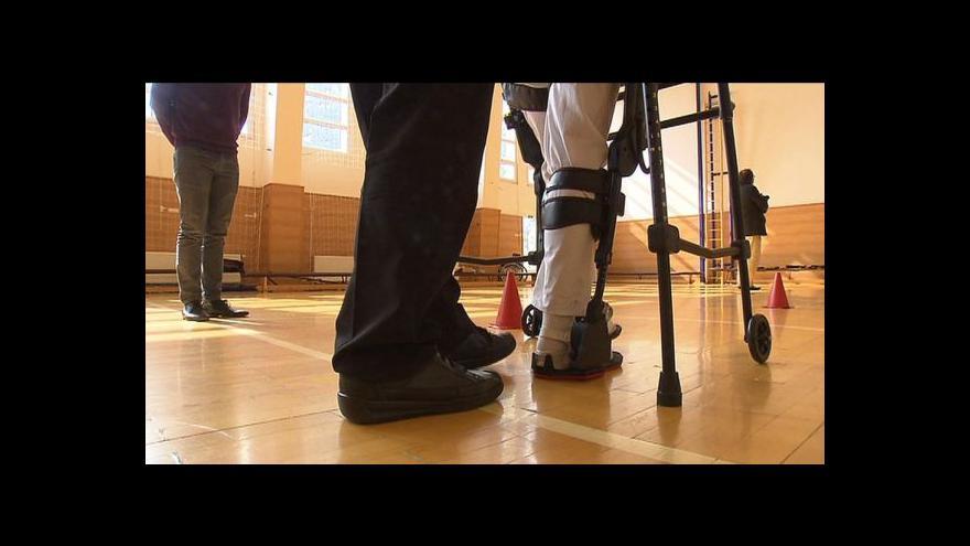 Video Události: Kladruby získaly unikátní eksoskeleton
