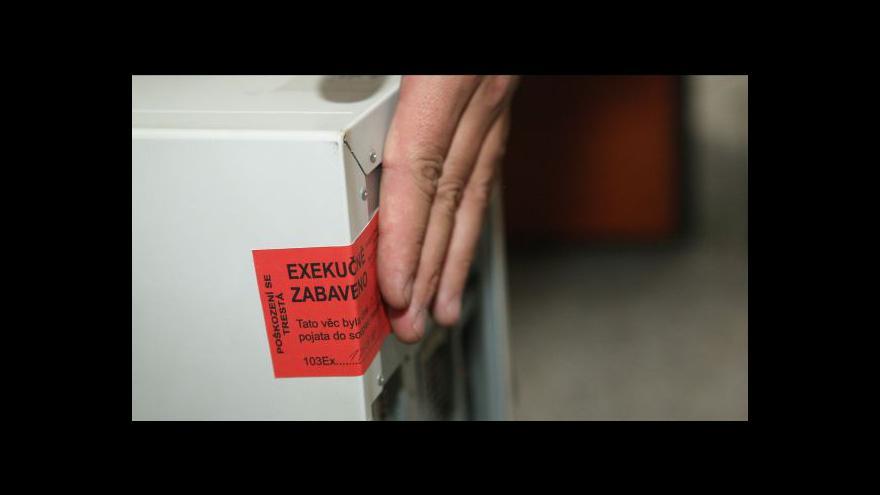 Video Poslanci navrhují konec neúměrně vysokých poplatků za exekuci