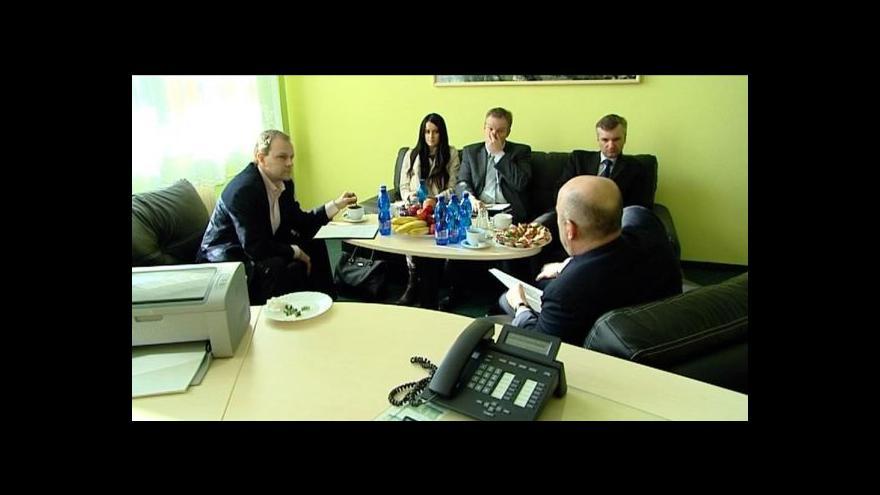 Video Ministr Chládek vyjel obhlédnout stav učitelů na západě Čech