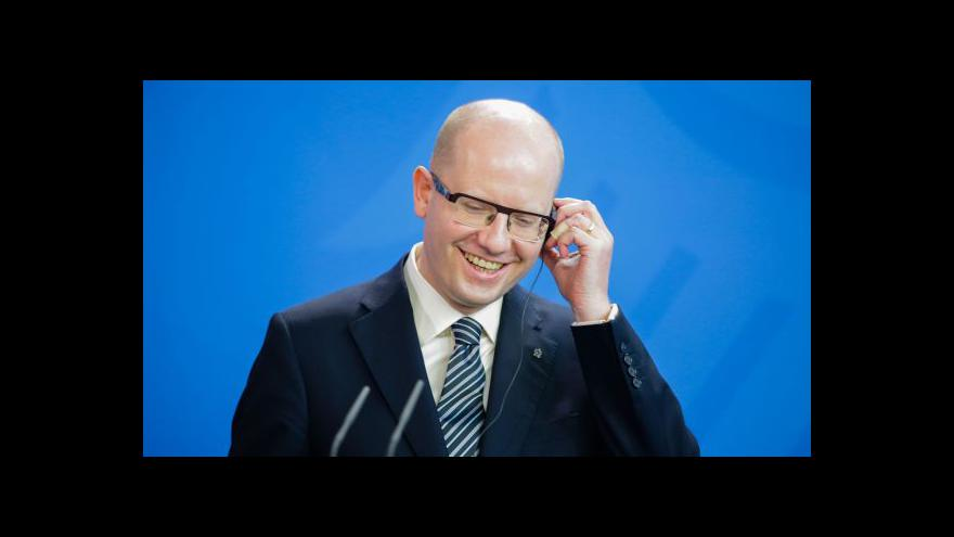 Video Zpravodaj ČT: Sobotka bude ve Wolfsburgu lobbovat za Škodovku