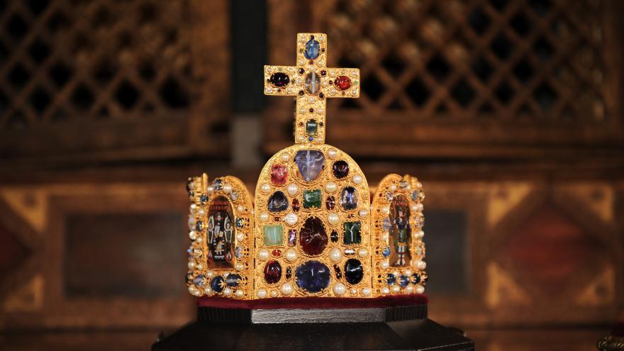 Video Karlštejn - schránka pro svaté relikvie i korunovační klenoty