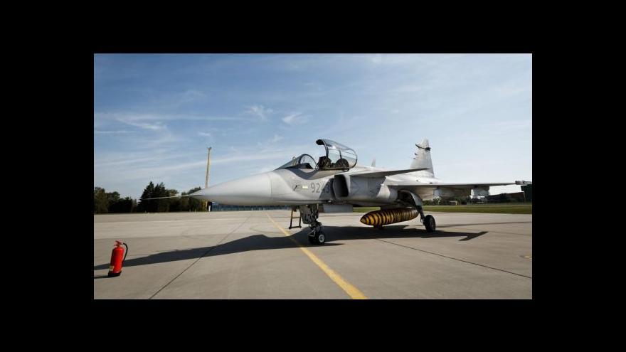 Video Události: Vláda prodloužila pronájem stíhaček Gripen