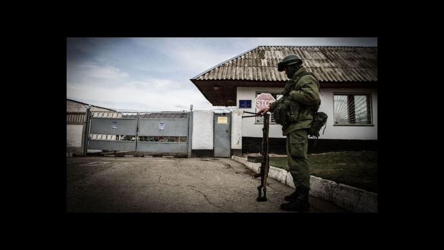Video Události: Ruská armáda posílila sevření Krymu
