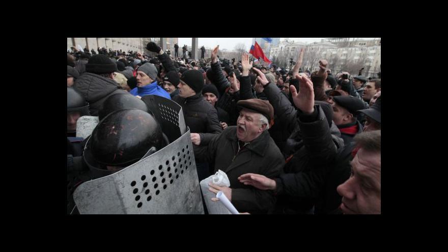 Video Zpravodaj ČT v Charkově: Místní gubernátoři vyjádřili podporu Kyjevu