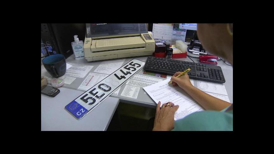 Video Události: Prachař se u registračních značek inspiroval v Německu