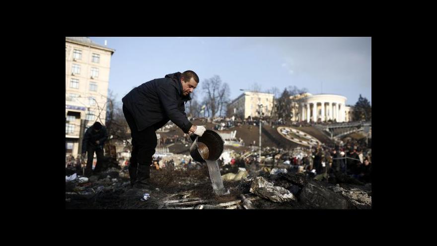 Video Fištejn: Lidem na Majdanu šlo o jiné věci než pomoc zvenčí