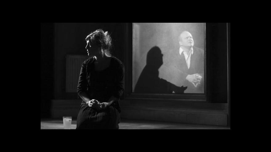 Video Kafka jinak v Dejvickém divadle