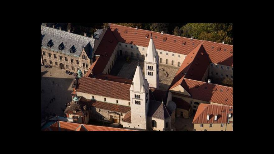 Video Církev žádá navrácení baziliky sv. Jiří a přilehlý klášter