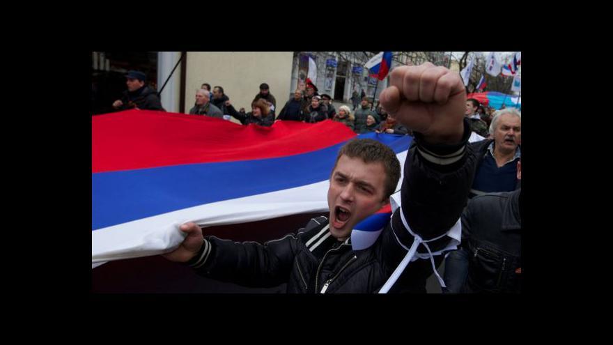 Video Ruská armáda posiluje svou kontrolu nad Krymem