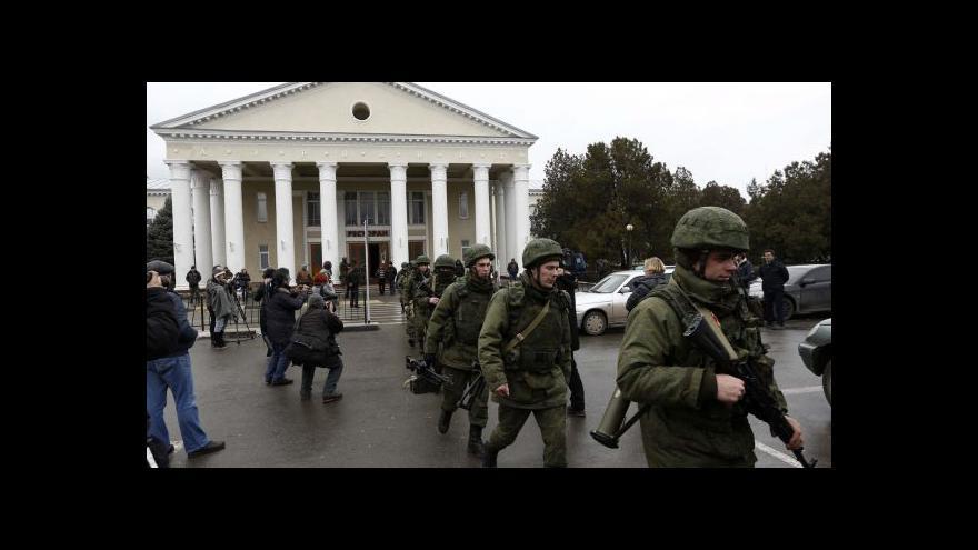 Video Kyjev ztrácí kontrolu nad Krymem