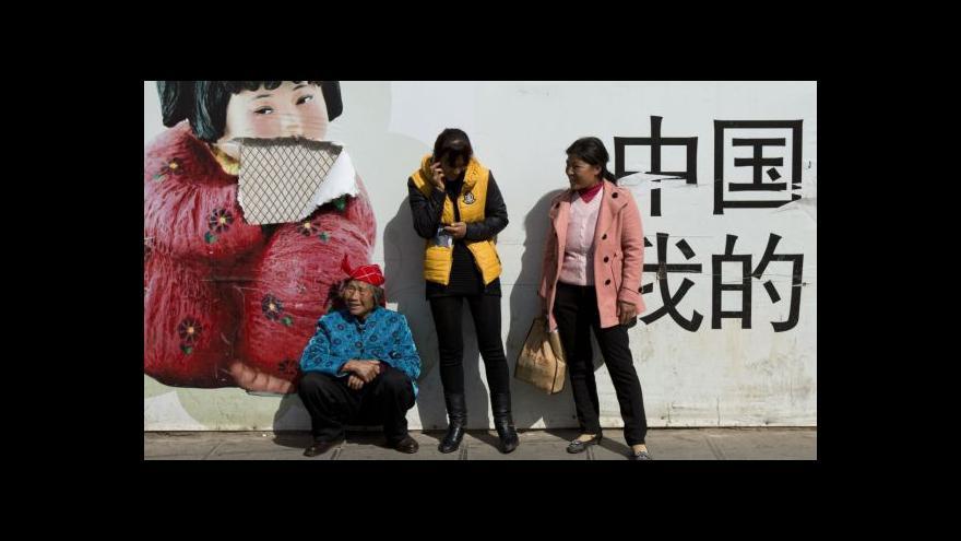 Video Ozbrojenci s noži zabili v Číně desítky lidí