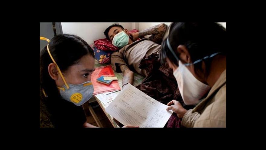 Video Barma vyhostila Lékaře bez hranic