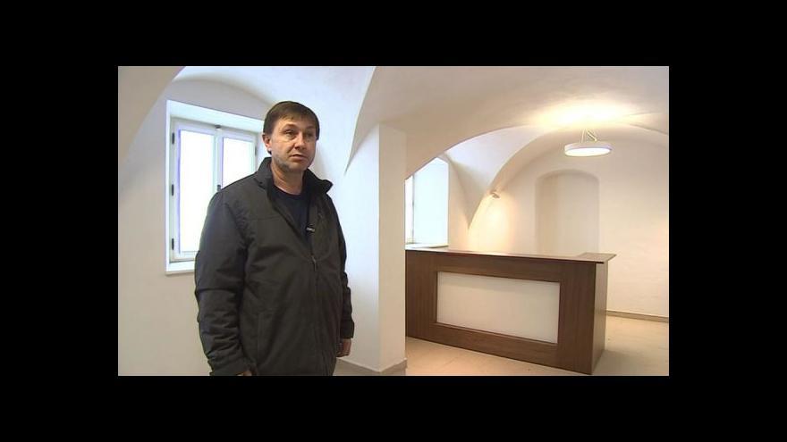Video Opravenou drnholeckou radnicí provází starosta Jan Ivičič