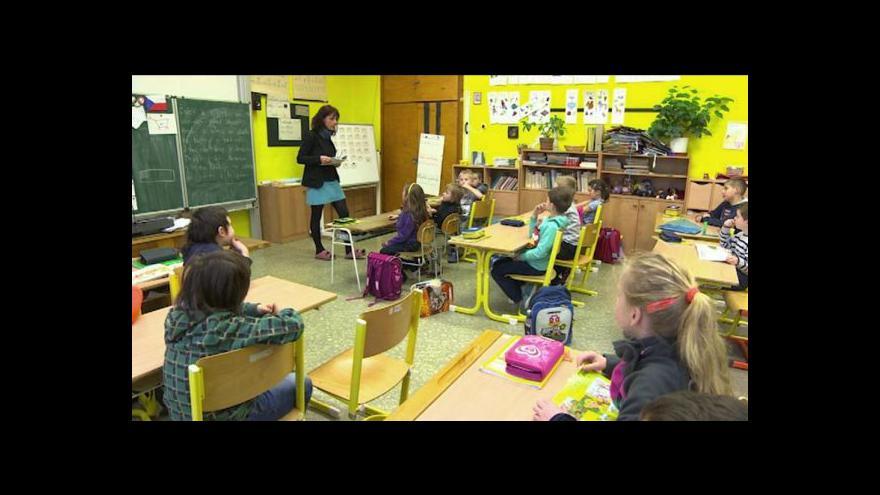 Video Sedm tisíc pedagogů by mělo do konce roku skončit