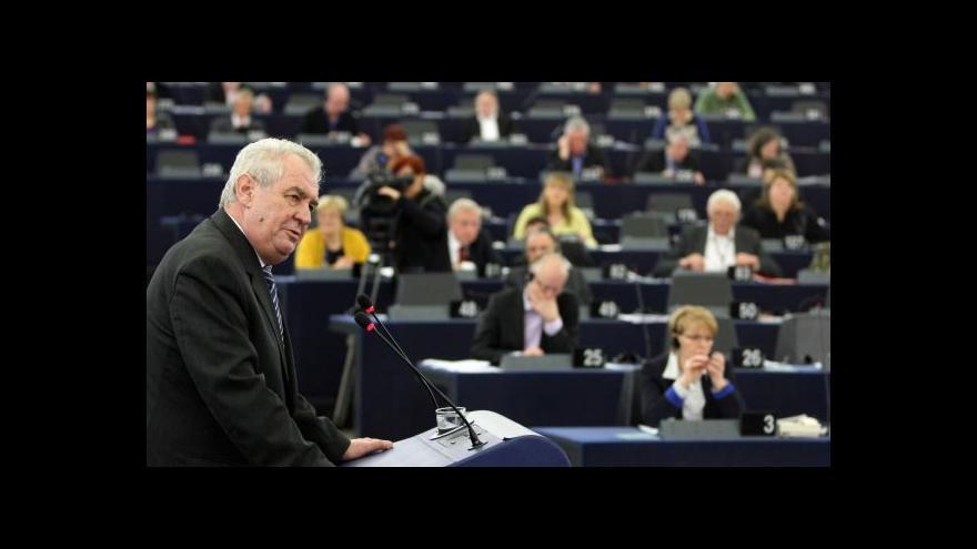 Video Reakce českých politiků na Zemanův projev v EP