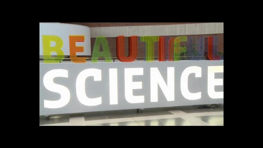 Video V Londýně vystavují krásnou vědu