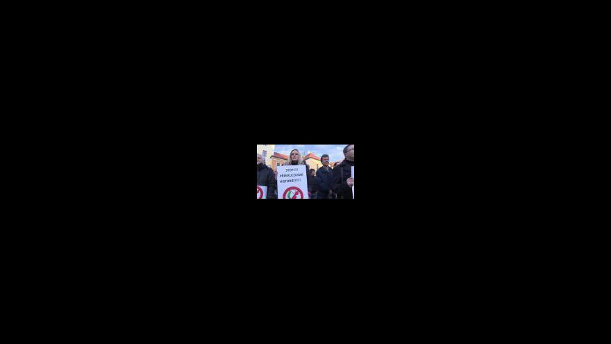 Video Demonstrace proti komunistům