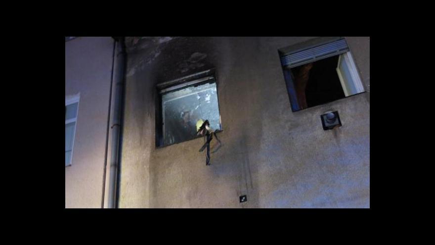 Video NO COMMENT: Noční požár v ulici Sýpka (záběry HZS JMK)