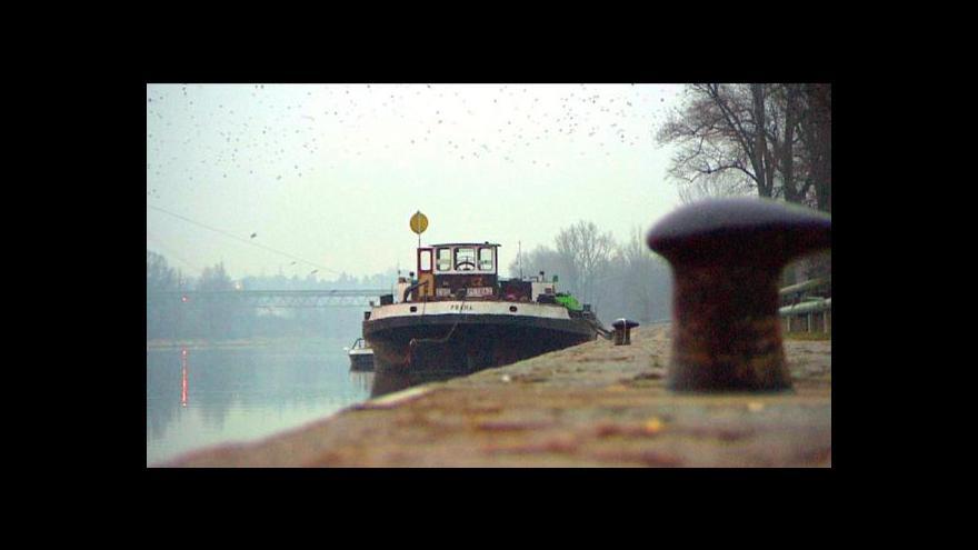Video Příjezd lodi do Prahy