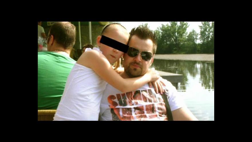 Video Policie obvinila Kramného z vraždy  jeho manželky a dcery