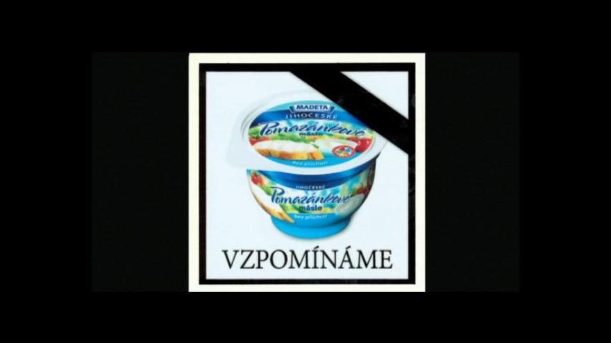 Video Z výrobní linky sjelo poslední pomazánkové máslo