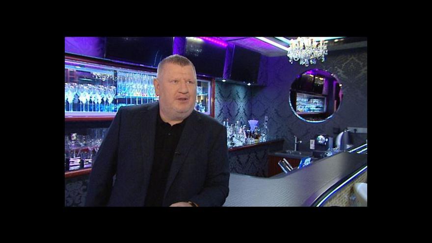 Video Policie zadržela lobbistu Rittiga i jeho advokáta