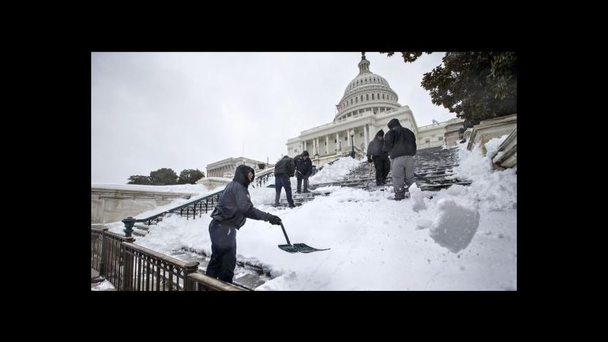 Video Washington vyhlásil kvůli sněhu stav nouze