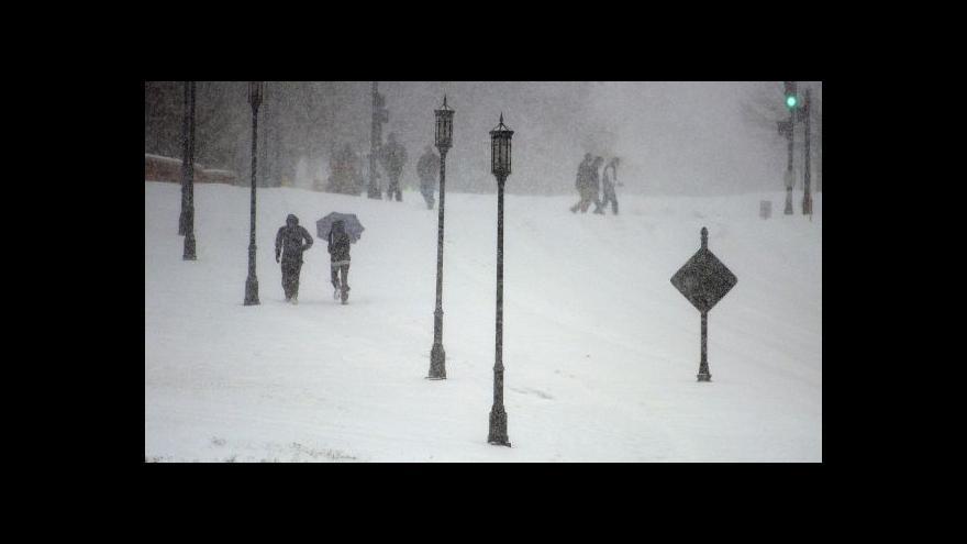 Video Jih USA se třetí den potýká s mrazivým počasím