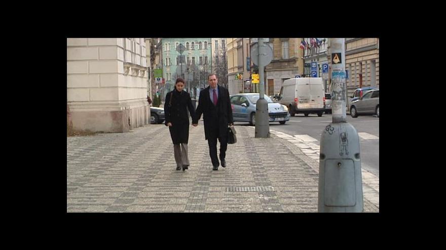Video Pancová a Kott nedostanou své osobní věci