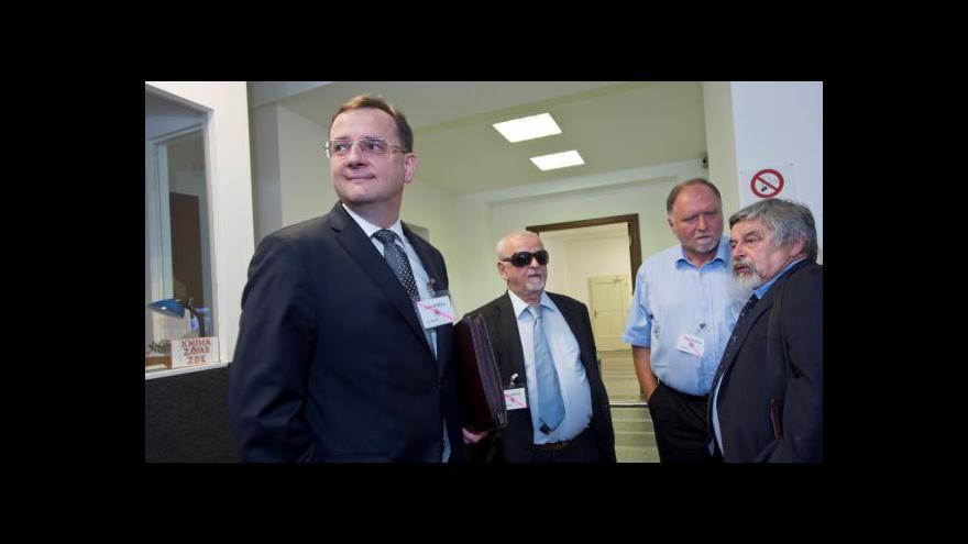 Video Nečasův advokát: Žalobci musí mít důkazy