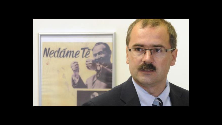 Video Historik Žáček: Lustrační zákon nás váže na listopad 1989