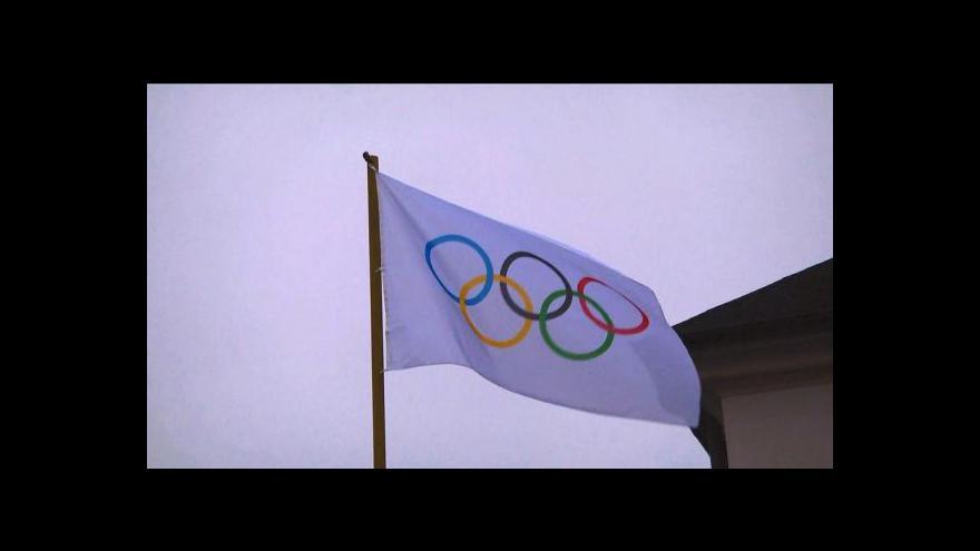 Video Letohrad vztyčil olympijskou vlajku