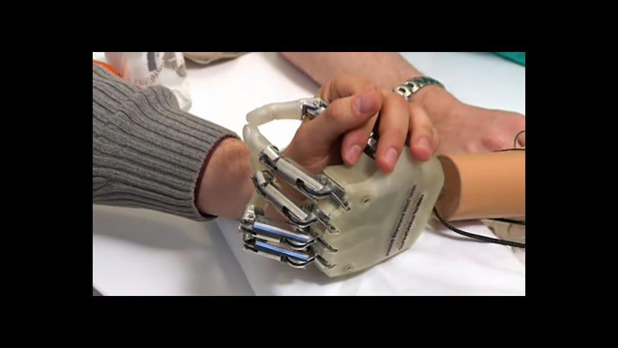 Video Prototyp bionické ruky dokáže nahradit cit