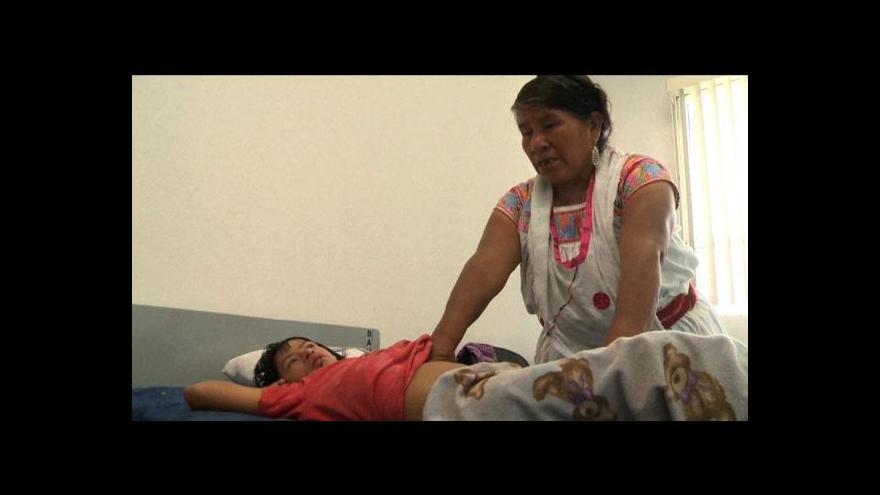 Video Mexické nemocnice začaly zaměstnávat šamany
