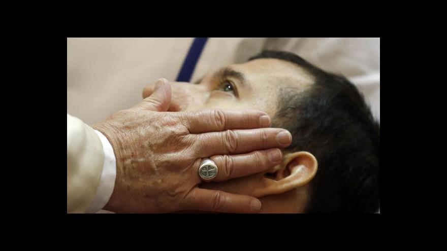 Video OSN: Vatikán by měl vydat duchovní zneužívající děti