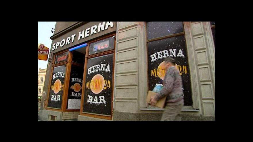 Video Radnice na Plzeňsku si omezený provoz barů pochvalují