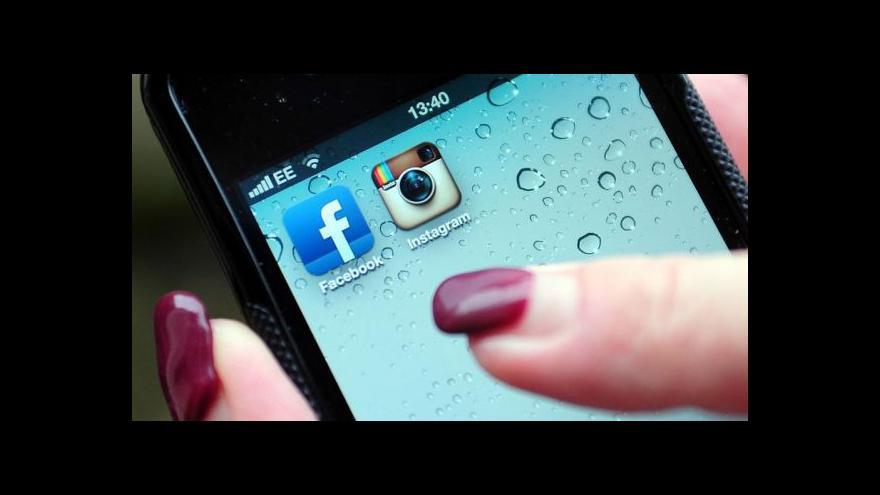 Video Facebook slaví deset let existence