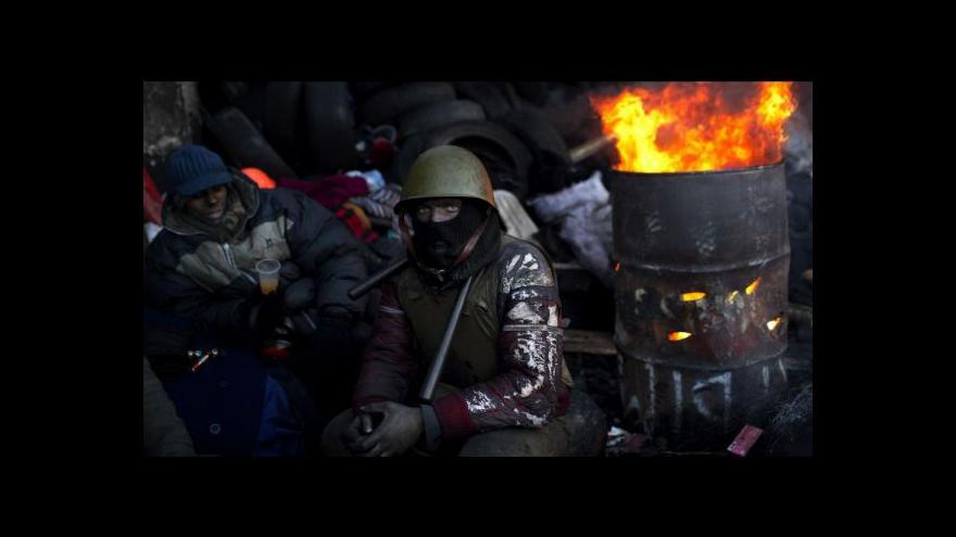 Video Janukovyč podepsal zrušení represivních zákonů