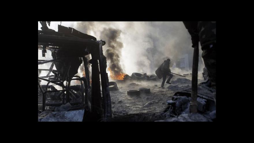 Video Barikády chtějí lidé držet, dokud Janukovyč neodstoupí