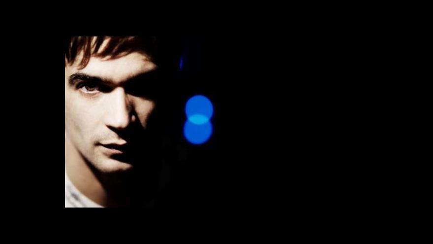 Video Jon Hopkins hraje v Praze