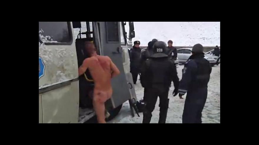 Video Kozák Havryljuk se vrátil na barikády