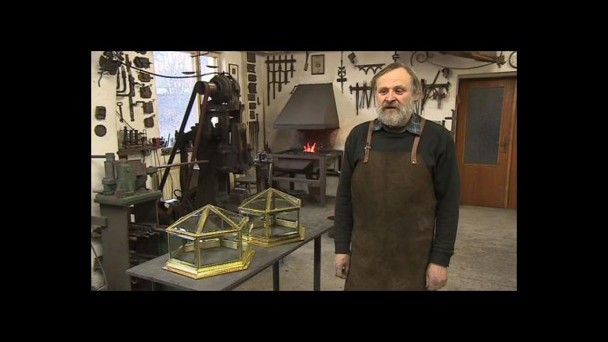 Video Umělecký kovář Oldřich Bartoška o renovaci historických předmětů